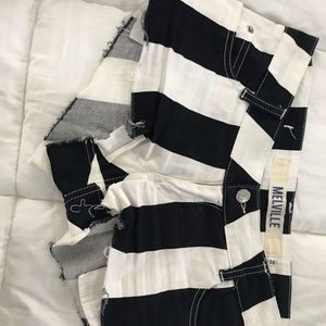Brandy Melville Striped Shorts. Size 38